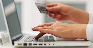 رسوم جمركية مفرطة وضرائب إضافية ... الشراء عبر الإنترنت أصبح حلما للمصريين
