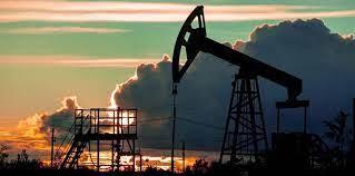 مخزونات النفط العالمية ما زالت أعلى من المطلوب