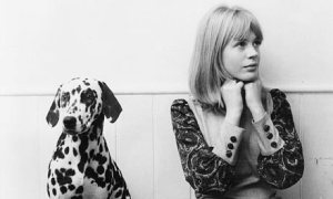 Marianne-Faithfull-with-h-001