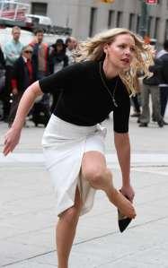 Katherine Heigl in collant carne davanti a tutti