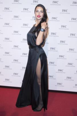 Adriana Lima in collant e tacchi a spillo 09