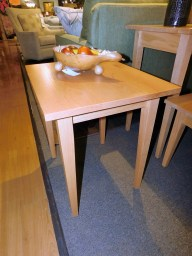 Shaker Style Small End Table Wood Species Shown: Oak Fully Customizable. Please contact us for pricing details.