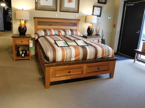 Farmhouse Heritage Bed with Storage