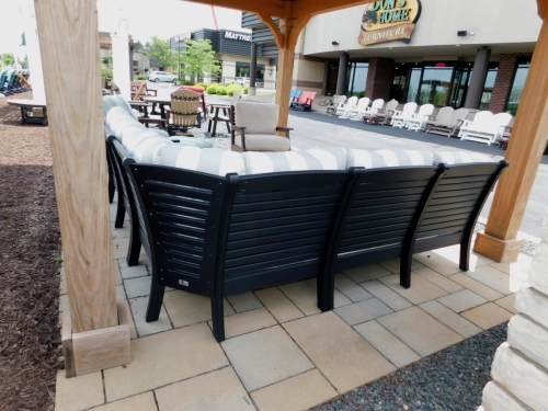 Outdoor Sectional and Square Coffee Table