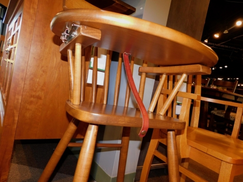 Comback Highchair with Slide-Out Tray