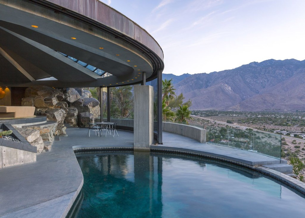 The Elrod Residence built by architect John Lautner — Palm Springs