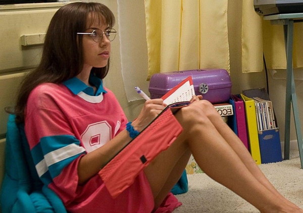 Aubrey Plaza has a lot of jobs to do in the Red-Band trailer for 'The To-Do List'