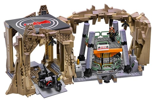 LEGO batcave 03