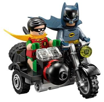 LEGO batcave 07