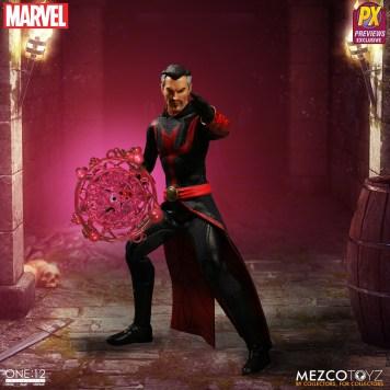 Mezco Defenders Doctor Strange 06