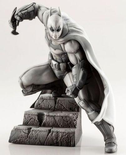 Koto_Batman_Arkham_statue