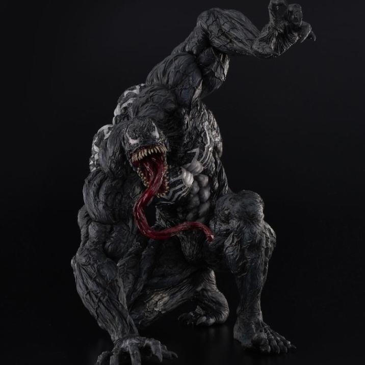 Venom_Sofbinal_Statue_02