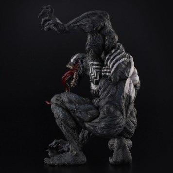 Venom_Sofbinal_Statue_03