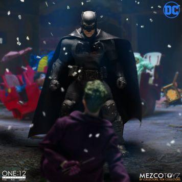 Mezco One12 Supreme Knight Batman 04