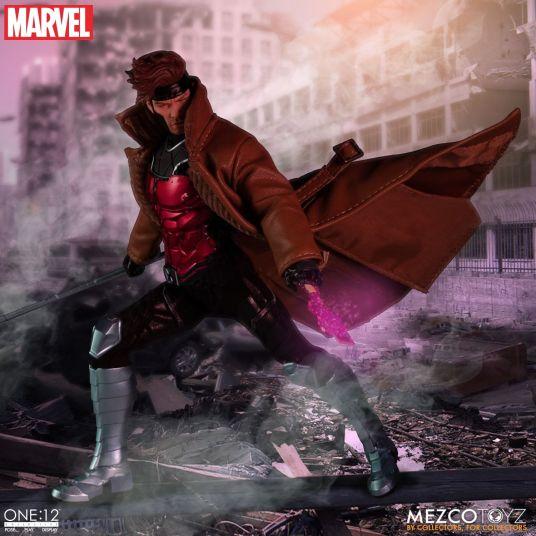 Mezco Gambit 04