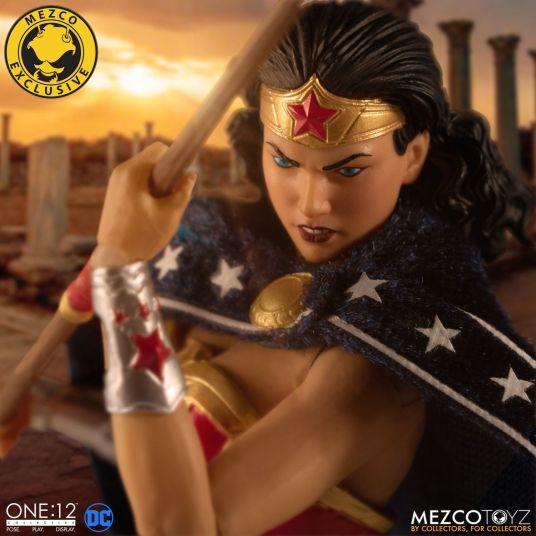 Mezco Wonder Woman Classic 06