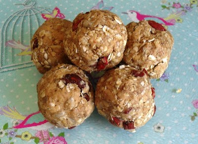 Breakfast balls Breakfast energy balls snack vegan