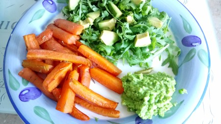 Rosemary carrot chips with a creamy lemon garlic pea puree Dinner Grainfree Lunch vegan