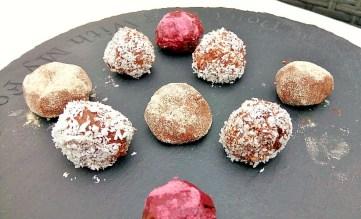 Chocolate orange avocado (chocado) truffles! Desserts energy balls Grainfree snack vegan