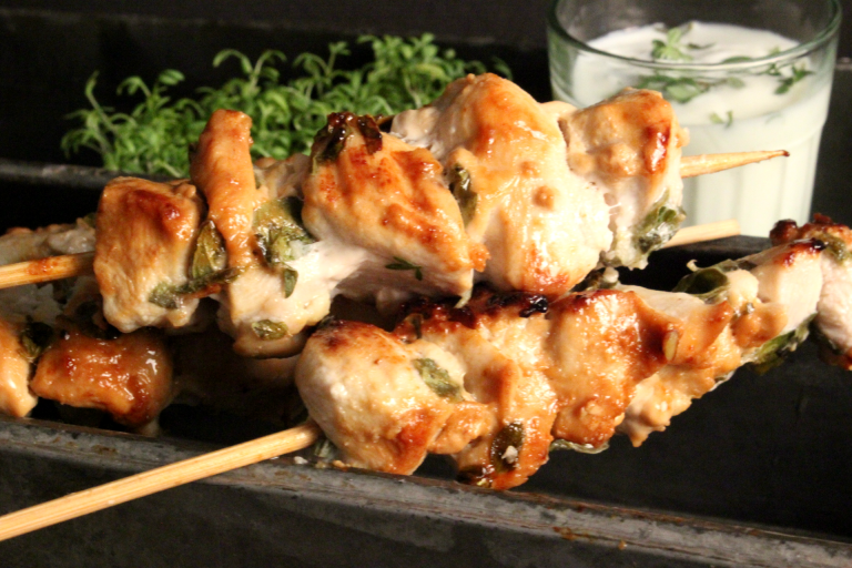 A Quick, Healthy and Simple Greek Style Chicken Souvalaki with a yummy Tzatziki Dip