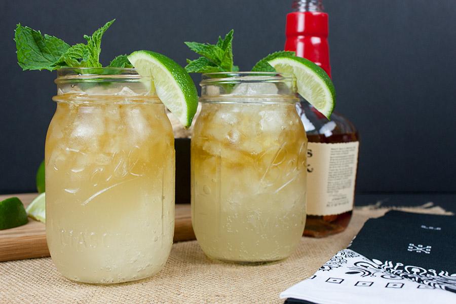Crisp Refreshing Kentucky Mule - Perfect warm weather, porch sittin' cocktail!