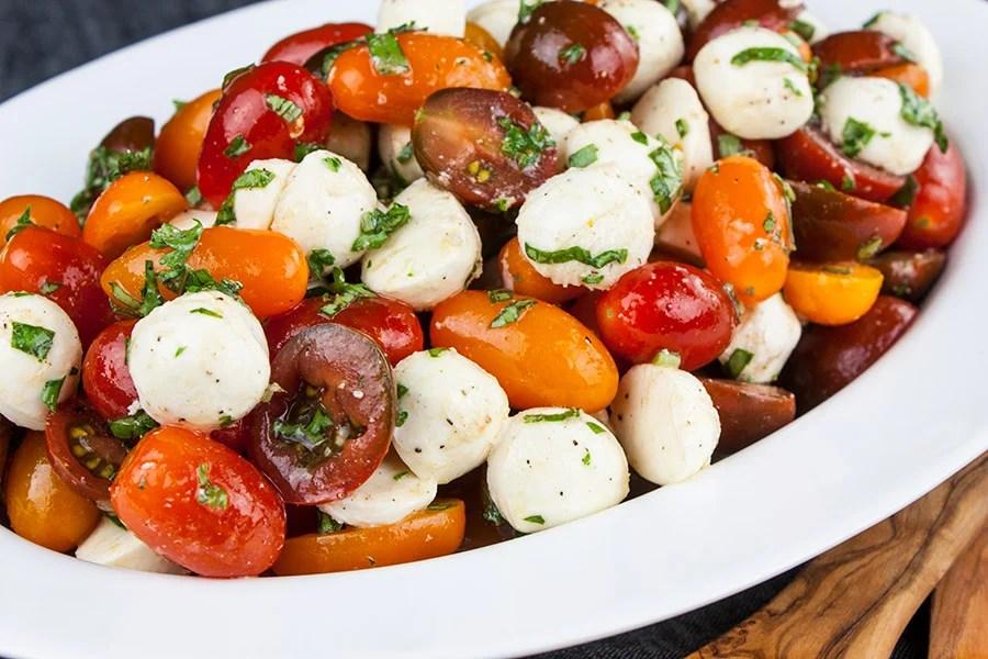 How to make Fresh Tomato Mozzarella Salad