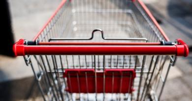 Belgrád is betiltja a műanyag szatyrok használatát