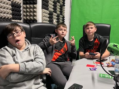 DXTL With the Friday Night Show And Young Commentators