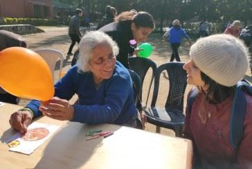 मैड के छात्रों ने रैफल होम में बुजुर्गों के साथ बिताया समय