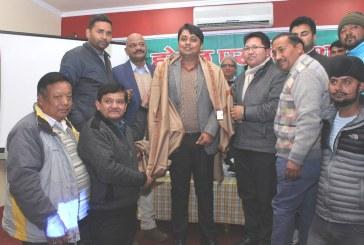 अल्मोड़ा: सांस्कृतिक एवं पर्यटन गतिविधियों के लिए सराहनीय कार्य करने पर डीएम को सम्मानित किया