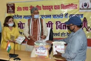कोविड-19:  मुख्यमंत्री से समर्पण संस्था की अध्यक्षा डॉ. गीता खन्ना ने भेंट की