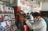 संस्कार भारती के कार्यक्रम में शहीद सैनिकों को श्रद्धांजलि अर्पित करते विधानसभा अध्यक्ष