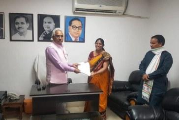 विधायक पिथौरागढ़ क्षेत्र की तमाम योजनाओं को स्वीकृत कराने राज्य कैबिनेट मंत्रियों से मुलाकात कर उन्हें पत्र सौंपे