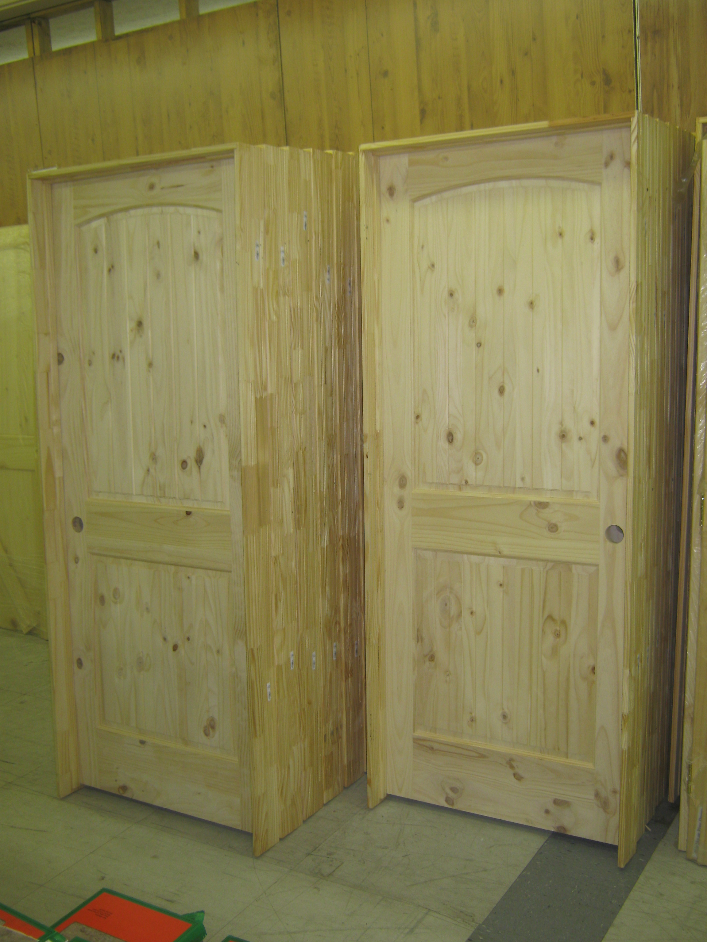AMISH CUSTOM DOORS KNOTTY PINE INTERIOR PREHUNG DOORS