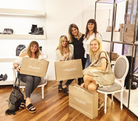 Clientas en el exclusivo de Alto Rosario Shopping