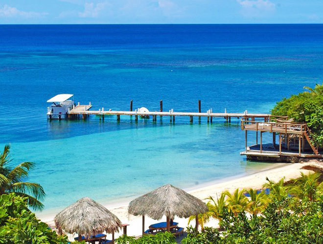 destinos-exoticos-roatan-playa