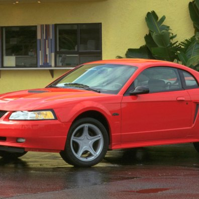 2000-Mustang-GT-Coupe