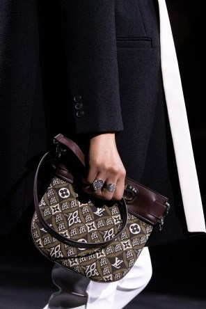 DETAILS-LOUIS-VUITTON-PFW-FW20-(14)
