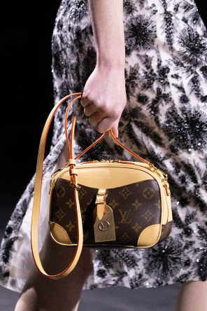 DETAILS-LOUIS-VUITTON-PFW-FW20-(8)
