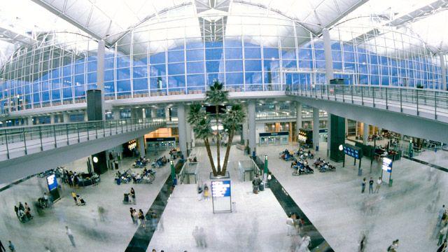 Aeropuerto Internacional de Hong Kong1