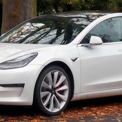 2019_Tesla_Model_3_Performance_AWD_Front
