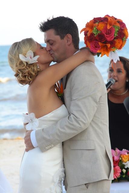 28-Bridal-hair-and-makeup-playa-del-carmen