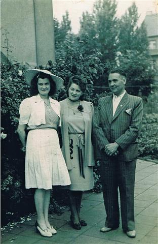Dorfgemeinschaftsgründer Georg Hammermann mit Familie (Foto von Anni Hinz)