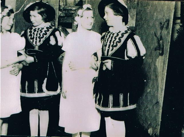 Kindertheater 1936 (Foto von Anni Hinz)