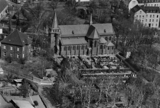 Aufnahme der Kirche St. Martinus aus den 1940er Jahren - zur Verfügung gestellt von Maria Schäfer