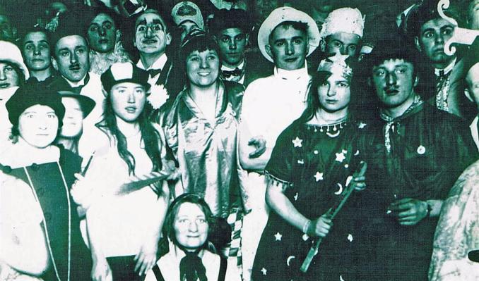 Maskenball der Theatergesellschaft Rheinperle 1924 (Foto von Anni Hinz)