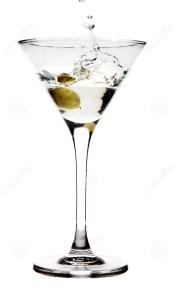 bespattende-olijf-een-martini-glas-4715581