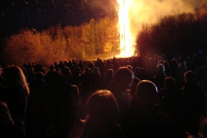 Traditionelle Martinsfeuer in Ahrweiler