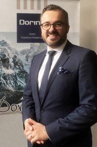 Sven Näser, neuer Direktor des Dorint Resort & Spa Bad Brückenau. Fotografin: Christina Winsi