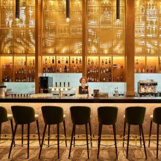 """Renovierungen abgeschlossen - """"Die Bar"""""""